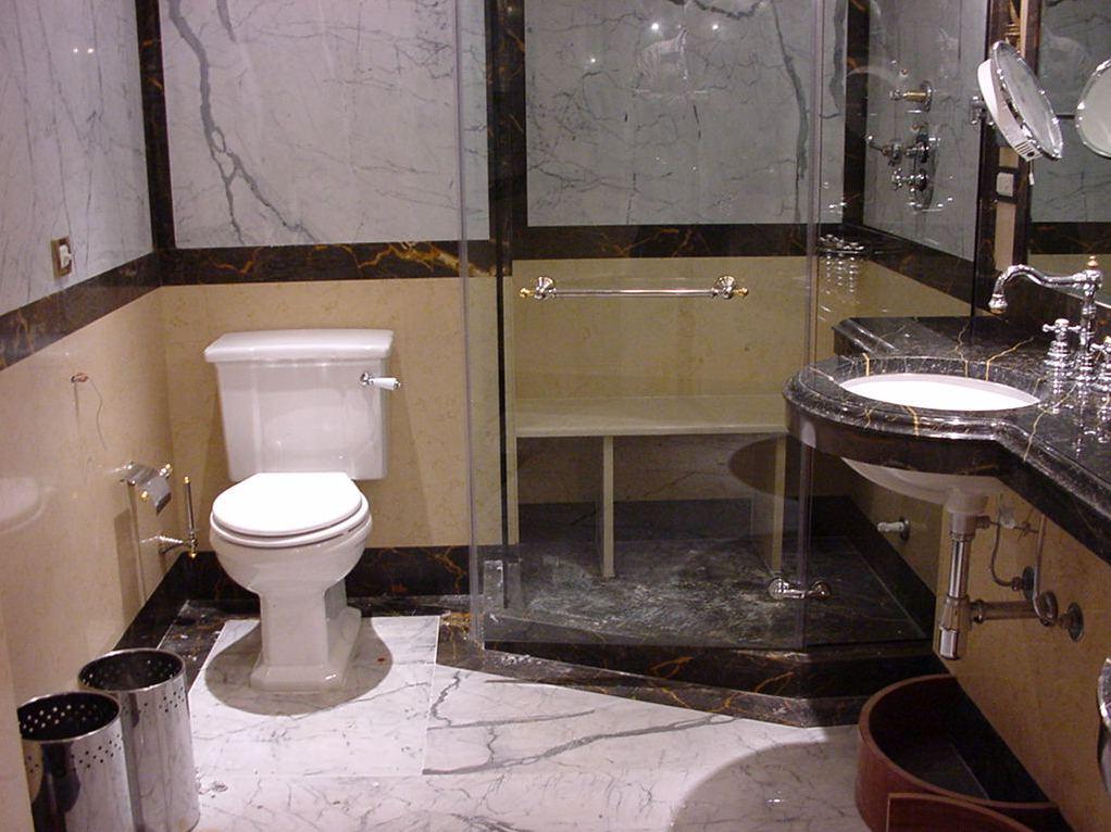 Bathroom_Gallery_ (7)